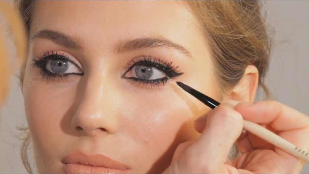 eye cat makeup for blonds